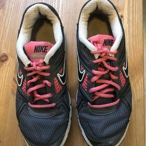 Nike Air Retaliate Women 🏃♀️ shoes size8